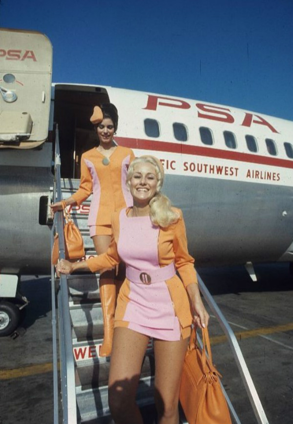 PSA Flight Attendants Disembarking Plane