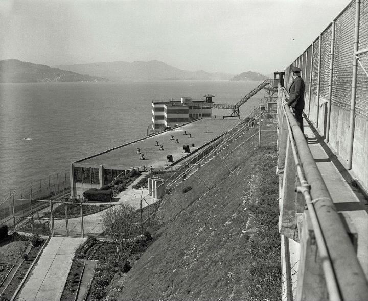 perimeter alcatraz guard prison escape