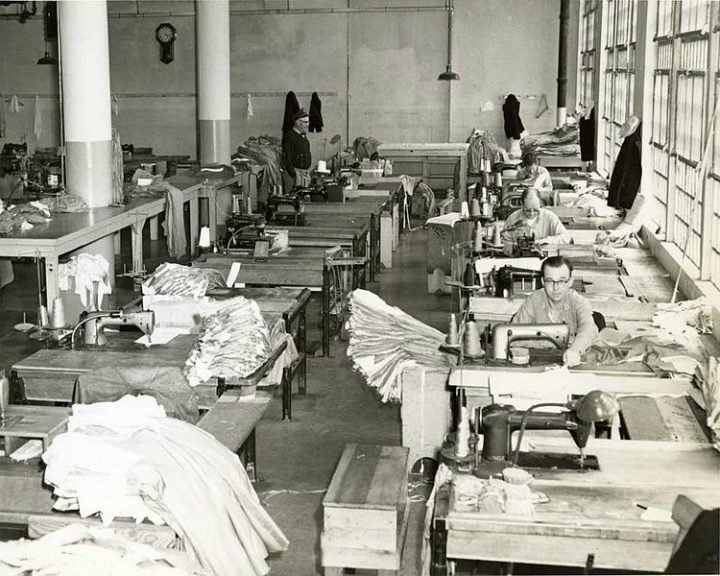 prisoners working alcatraz