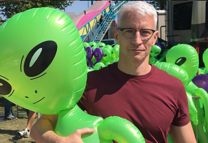 Anderson Cooper with Aliens