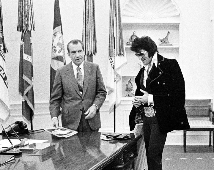 Elvis Presley and President Richard Nixon in December 21, 1970 at the White House