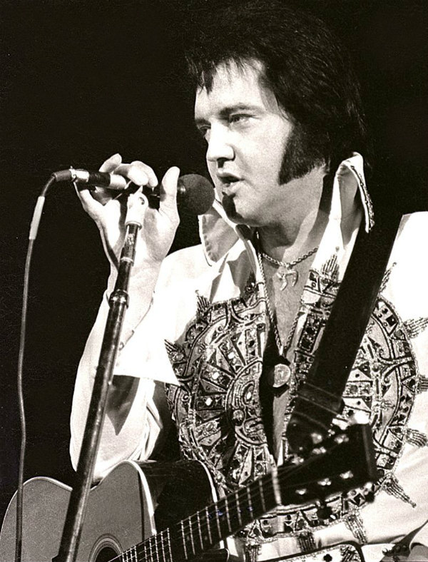 lvis Presley Performs in Concert at the Milwaukee Arena on April 27, l977