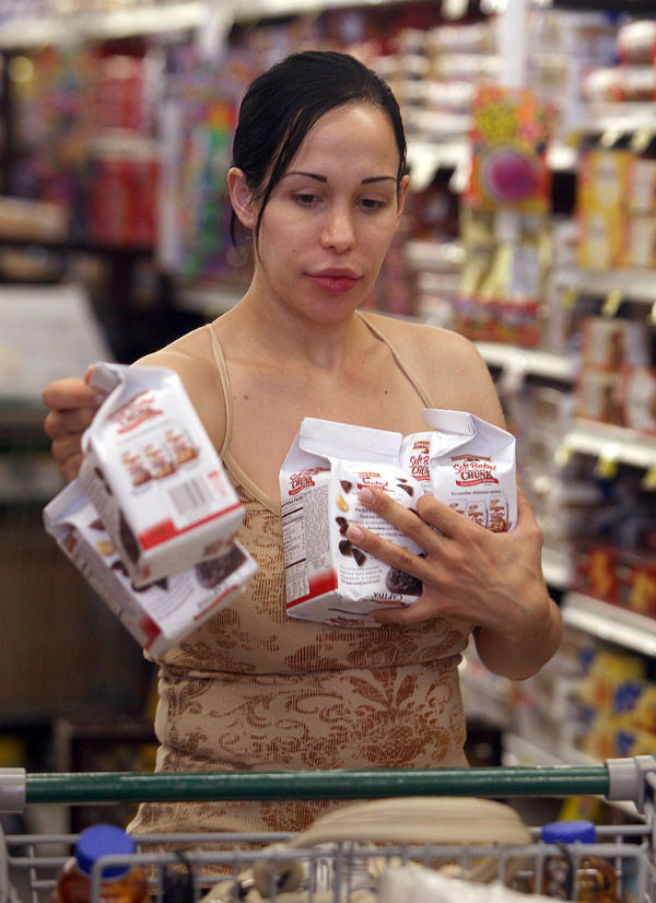 Octomom Nadya Suleman shopping