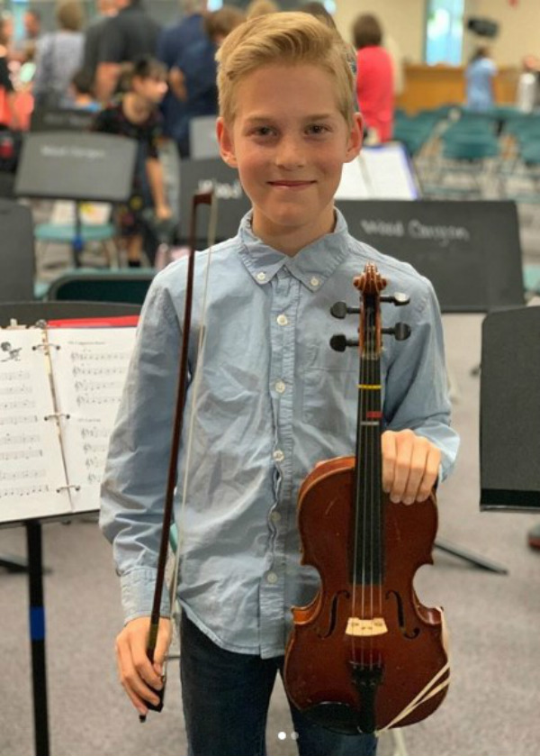 Octomom's Son Noah Playing the Violin