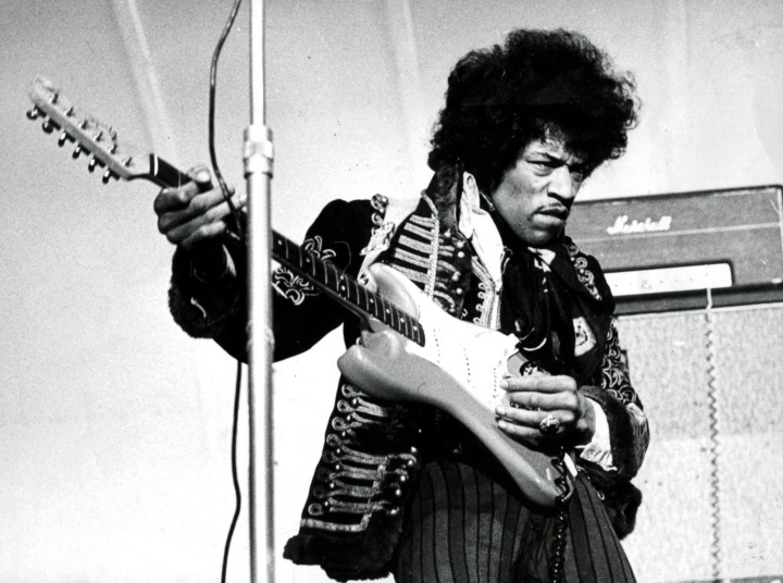 Jimmi Hendrix - celeb hippies