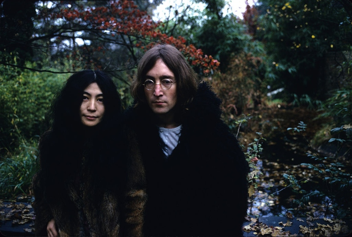 celebrity hippies - john lennon