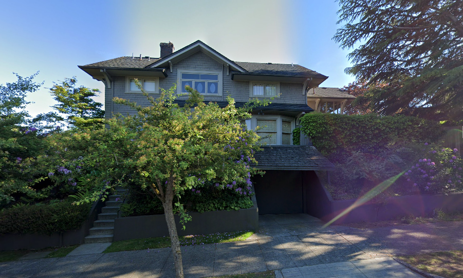 Meredith Grey's House in Grey's Anatomy in located in Seattle, Washington