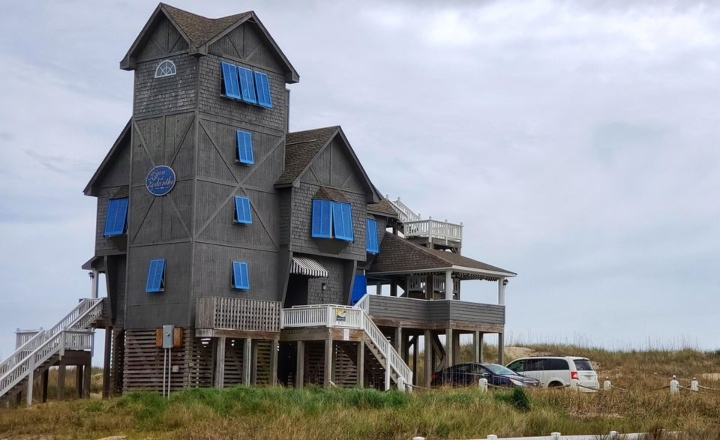 Rodanthe home blue shutters
