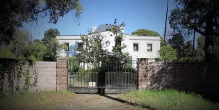 Liza Minnelli abandoned mansion