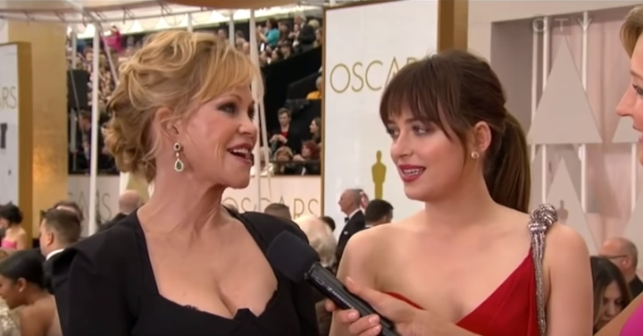 Dakota Johnson, Melanie Griffith, awkward oscar moments