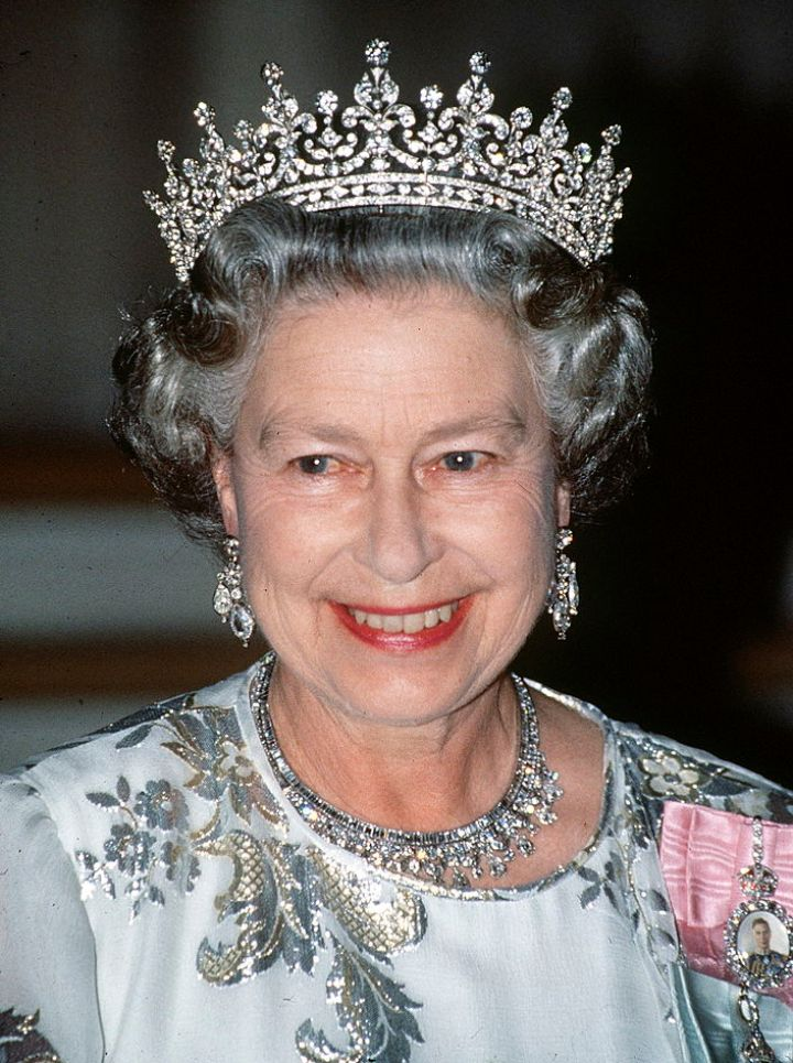 Queen Elizabeth II, Mary's Girls of Great Britain and Ireland Tiara